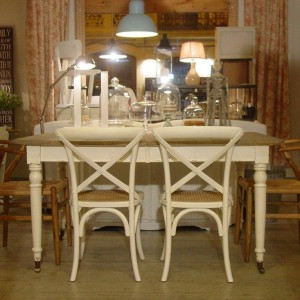 Catalogo mesas de comedor for Muebles estilo country